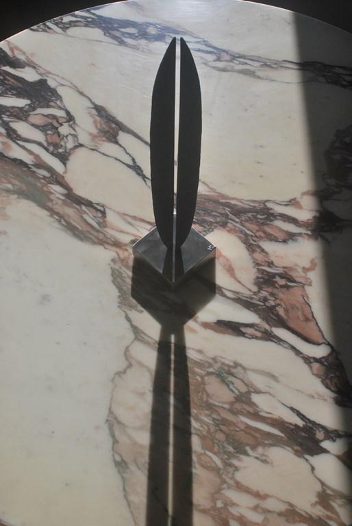 11.Sculpture-fer-limaille-de-fer-acier-inox-poli-miroir-Felix-Valdelievre-42-cm-2019