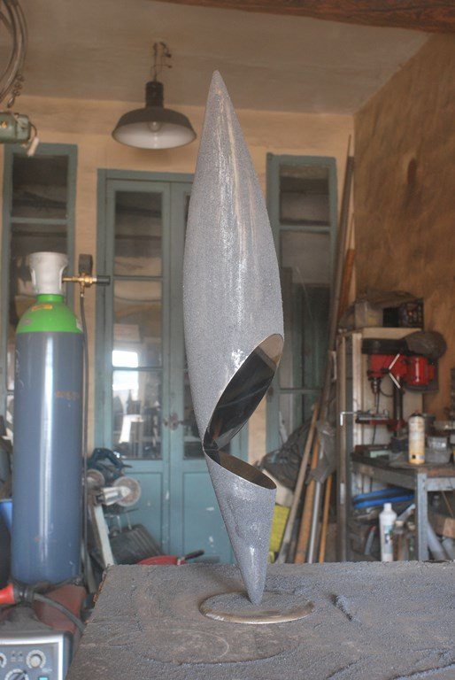 4.sculpture-fer-limaille-de-fer-inox-poli-miroir-artiste-sculpteur-Felix-Valdelievre-2019