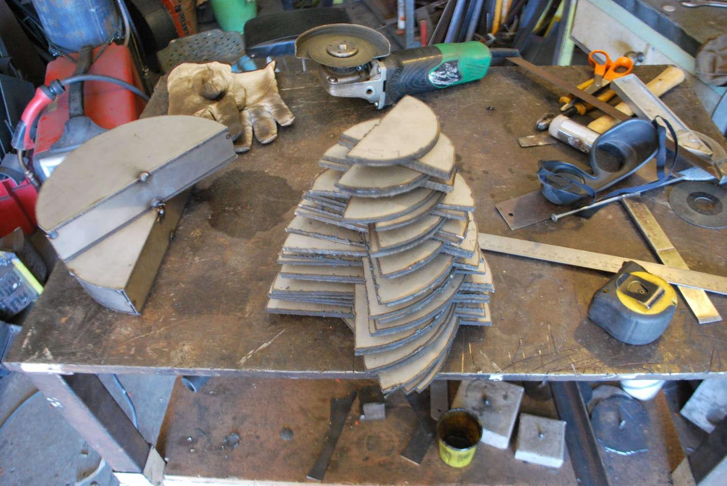 Felix-valdelievre-atelier-realisation-sculpture-inox-1