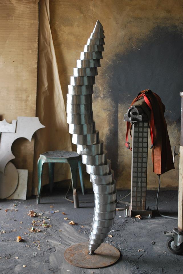 Felix-valdelievre-atelier-mise-en-forme-sculpture-acier-corten-3