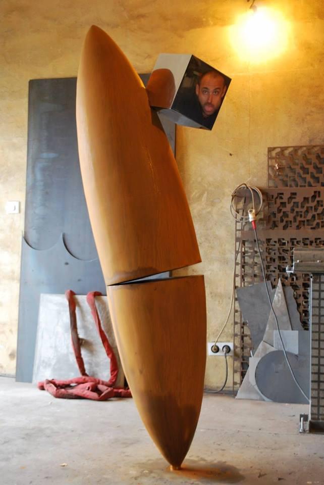 Felix-valdelievre-atelier-sculpture-acier-corten-cube-inox-poli-miroir