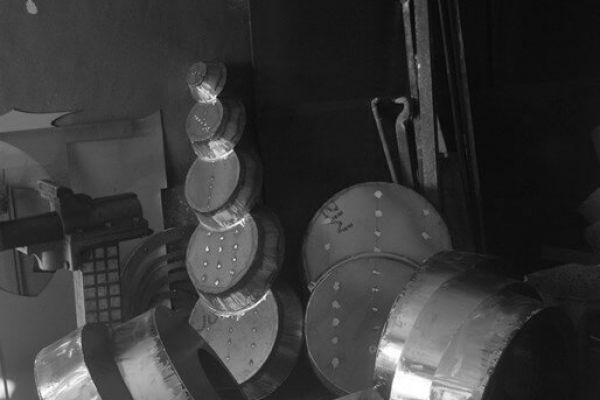 felix-valdelievre-atelier-sculpture-monumentale-avant-assemblage-2F7C7C1AF-1B37-84A1-8223-46140AC7E548.jpg