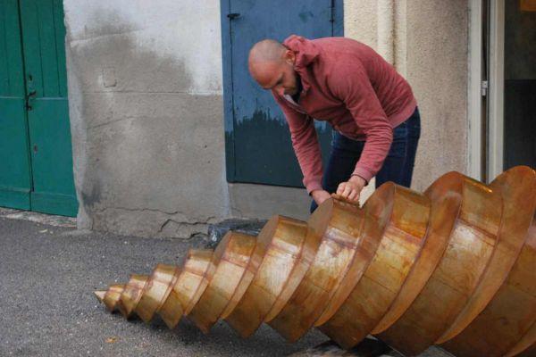 felix-valdelievre-atelier-sculpture-monumentale-entretient-de-la-rouille-3BCC638C0-2DA6-1505-562F-3C57A62FDA4C.jpg