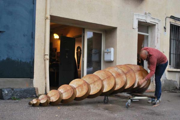 felix-valdelievre-atelier-sculpture-monumentale-entretient-de-la-rouille-44588BA0F-60C4-0340-3080-97E09F129544.jpg