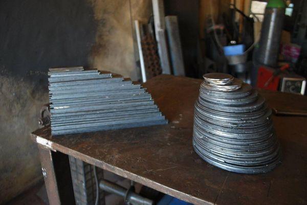 felix-valdelievre-metal-atelier-1344B49E2-424F-EA92-50C3-18F5DF75EFD1.jpg