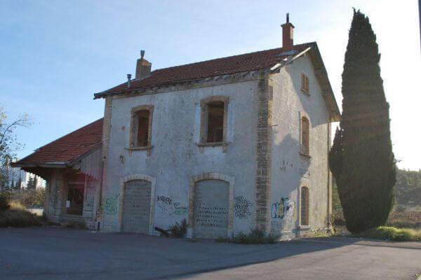 gare-de-cases-de-pene-exterieur-felix-valdelievre-3E5117471-3639-4441-1A9C-6AFD3F749BE3.jpg