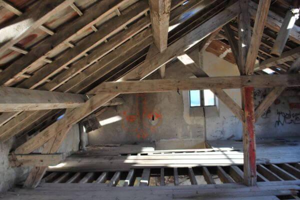 gare-de-cases-de-pene-interieur-charpente-felix-valdelievre-378085BB6-8BCD-BC46-6C63-528FA02BCD6C.jpg