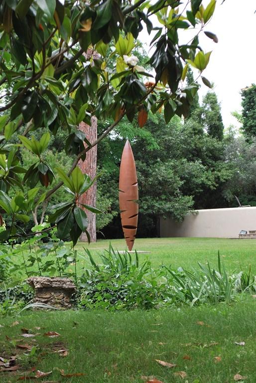 16.Sculpture-monumentale-en-acier-corten-realisee-par-l-artiste-sculpteur-contemporain-Felix-Valdelievre-exposee-au-centre-d-art-La-Mouche-Beziers-2018