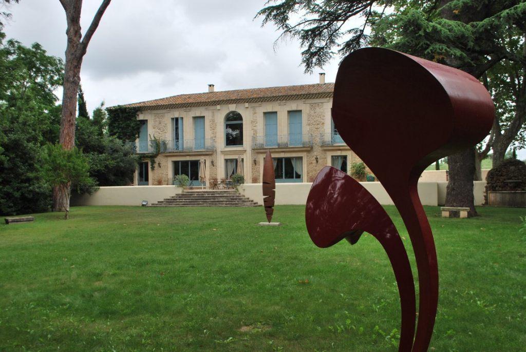 18.Sculpture-monumentale-en-acier-corten-realisee-par-l-artiste-sculpteur-contemporain-Felix-Valdelievre-exposee-au-centre-d-art-La-Mouche-Beziers-2018