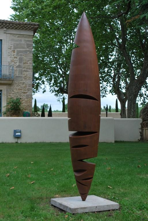 5.Sculpture-monumentale-en-acier-corten-realisee-par-l-artiste-sculpteur-contemporain-Felix-Valdelievre-exposee-au-centre-d-art-La-Mouche-Beziers-2018