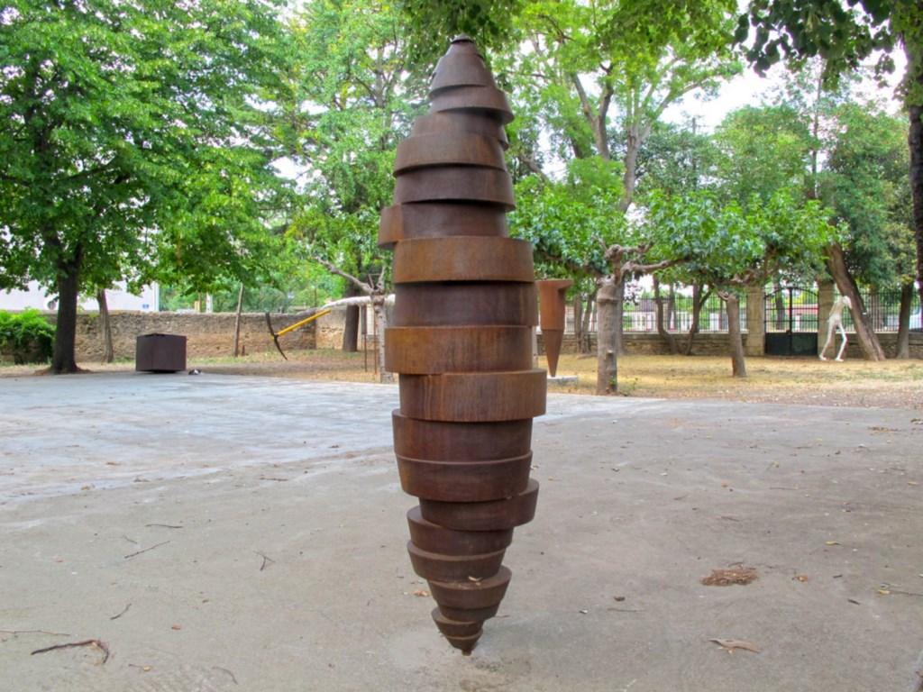 2.premiere-sculpture-monumentale-hauteur:223cm-2014