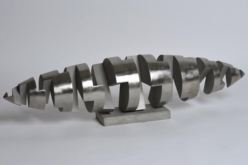 Sculpture-acier-inox-316L-socle-beton-Longueur:115cm-2017