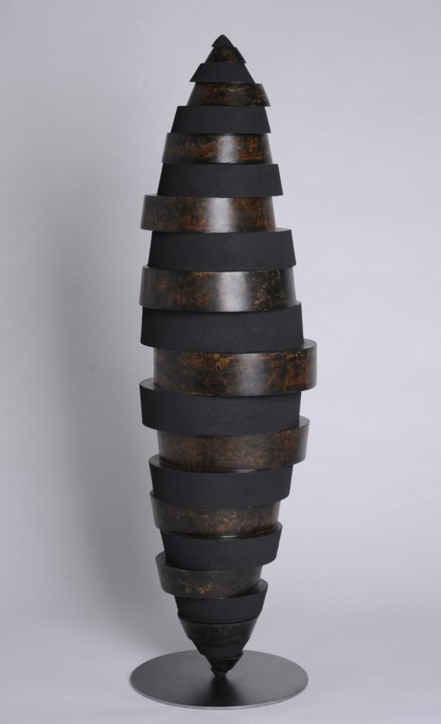 Sculpture-fer-patine-verni-limaille-de-fer-hauteur:118cm-artiste-sculpteur-contemporain-Felix-Valdelievre-2014